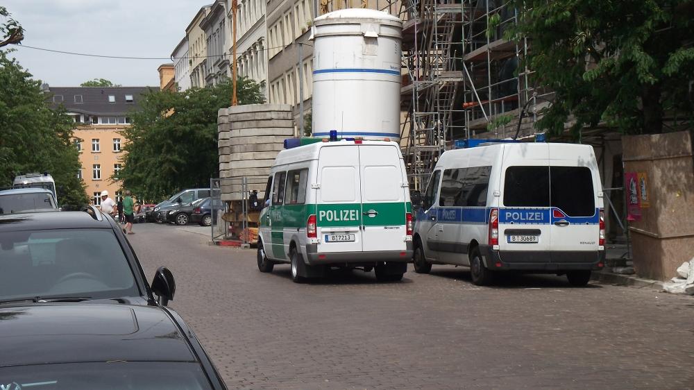 Polizei in der Christinenstr.